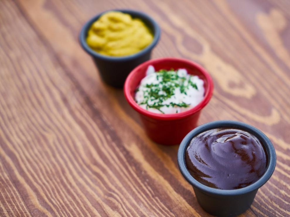 Aunque las salsas arreglan cualquier plato, no son el condimento más saludable.