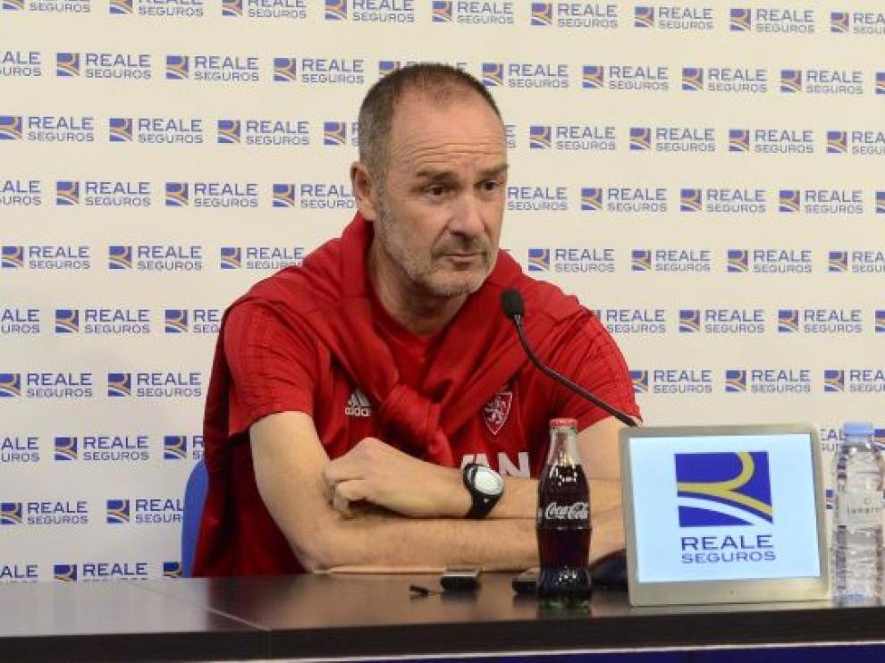 Víctor Fernández, este viernes en la rueda de prensa previa al viaje a Tenerife.
