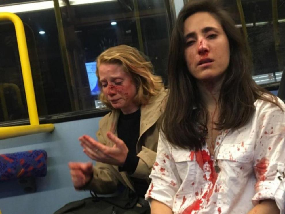 Imagen de las jóvenes agredidas en el metro de Londres.