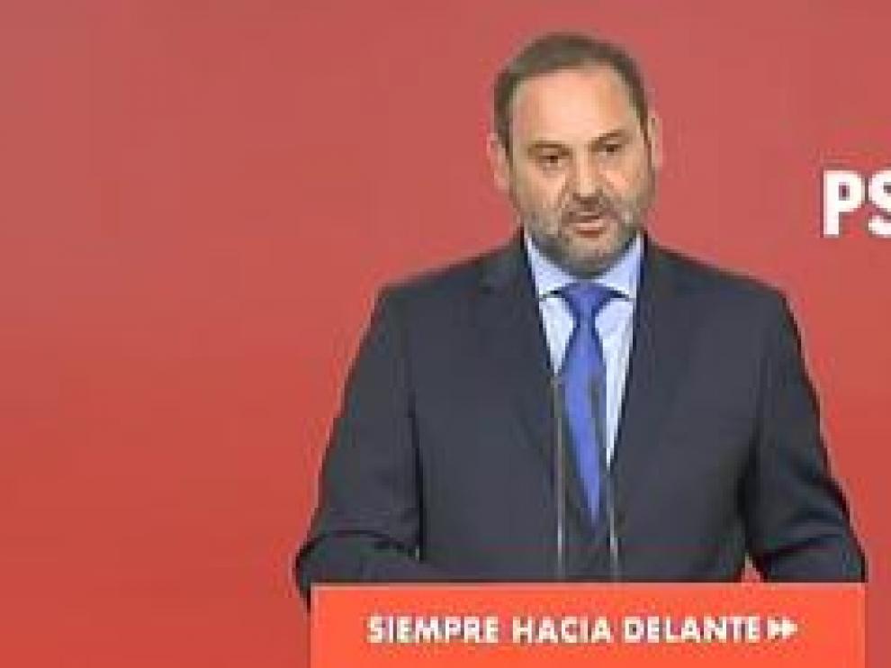 El secretario de Organización del PSOE y ministro de Fomento en funciones lanza esta amenaza si hay bloqueo en la investidura de Pedro Sánchez