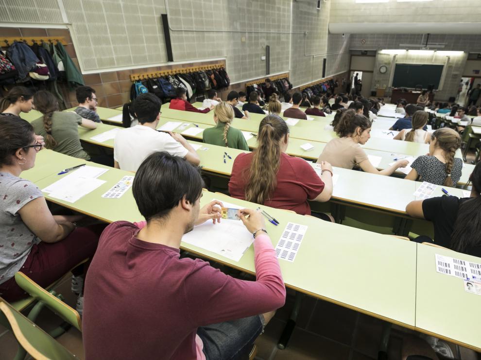 Alumnos aragoneses en los exámenes de la Evau de este año.