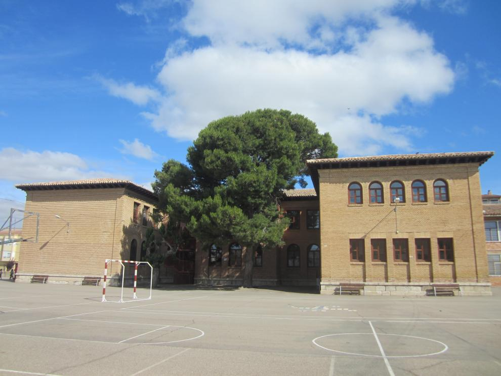 Imagen del exterior del colegio de infantil y primaria de Tauste.