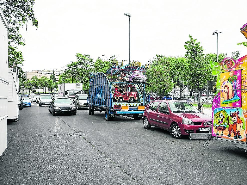Las ferias, este martes, en la calle de Honorio García Condoy antes de ser instaladas en la vía.