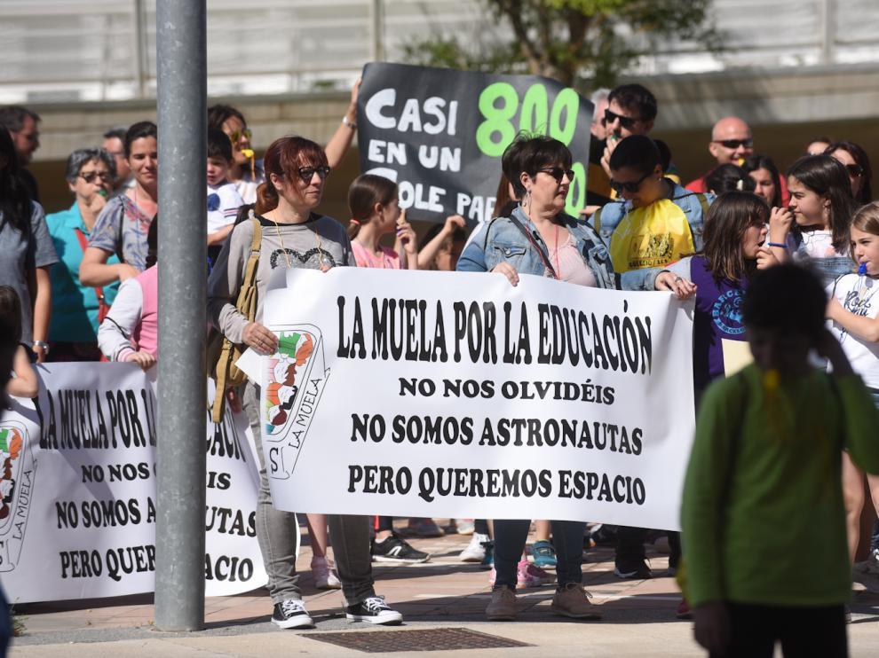 Alrededor de 250 personas se han desplazado este jueves por la mañana a Zaragoza, aprovechando que hoy es un día festivo en la localidad de Valdejalón.
