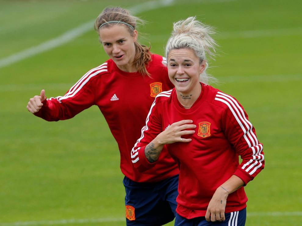 Mapi León, capitana de la selección española de fútbol femenino, en Lille entrenando el pasado 13 de junio, día que cumplió 24 años.