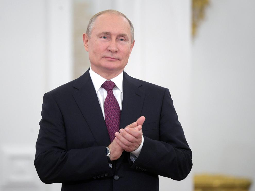Russian President Vladimir Putin attends an awarding ceremony marking the Day of Russia at the Kremlin in Moscow, Russia June 12, 2019. Sputnik/Alexei Druzhinin/Kremlin via REUTERS ATTENTION EDITORS - THIS IMAGE WAS PROVIDED BY A THIRD PARTY. [[[REUTERS VOCENTO]]] RUSSIA-DAY/