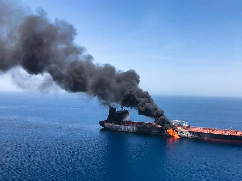 Uno de los buques atacados