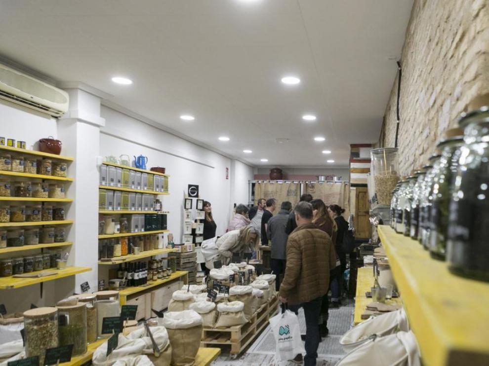 Foto de archivo de la pasada edición de las Tiendas creativas en el mes de mayo por el Casco Histórico de Zaragoza