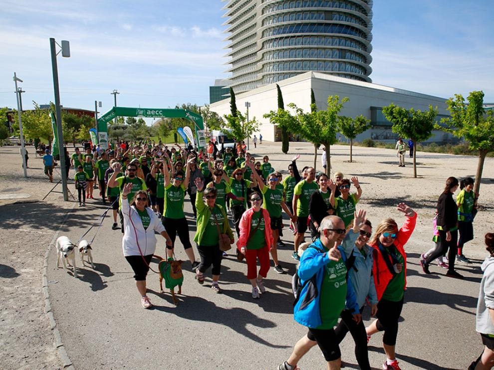 Una imagen de la anterior edición de la Marcha contra el cáncer en el Parque del Agua de Zaragoza.
