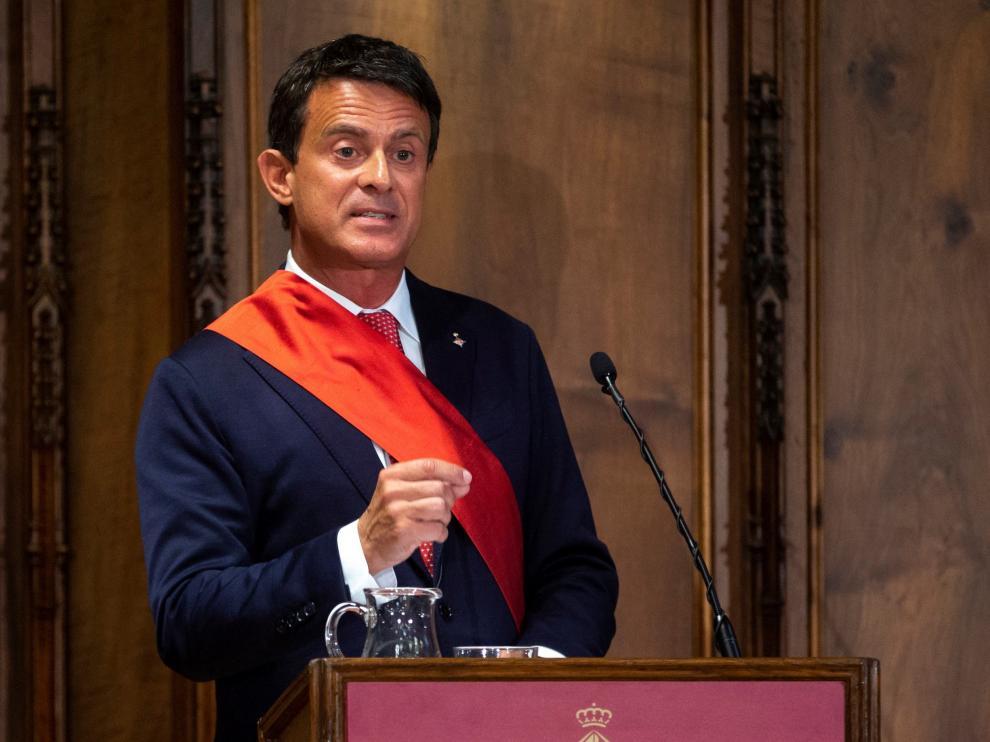 Manuel Valls durante la sesión constitutiva del Ayuntamiento de Barcelona.