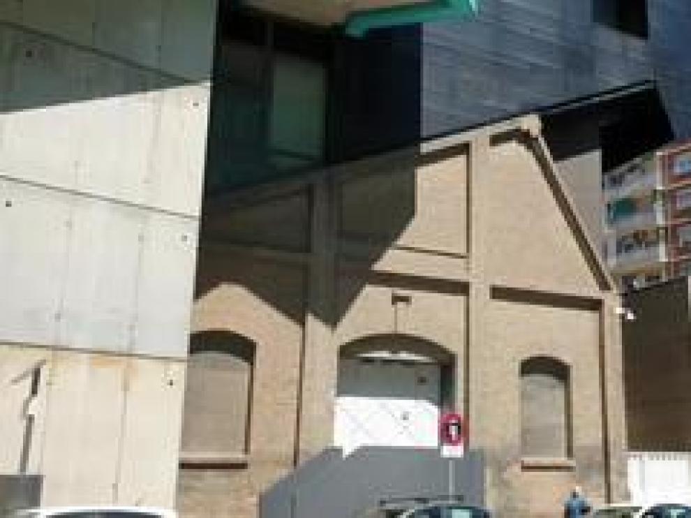El Hogar Pignatelli, en Zaragoza, se quedó pequeño para alojar la docencia de los oficios que se impartían. Por ese motivo se construyó unos talleres, que son los cimientos del actual Museo Pablo Serrano