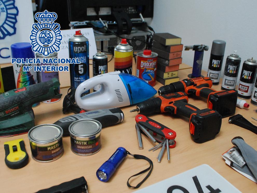 Herramientas utilizadas por la organización criminal para alterar los vehículos robados