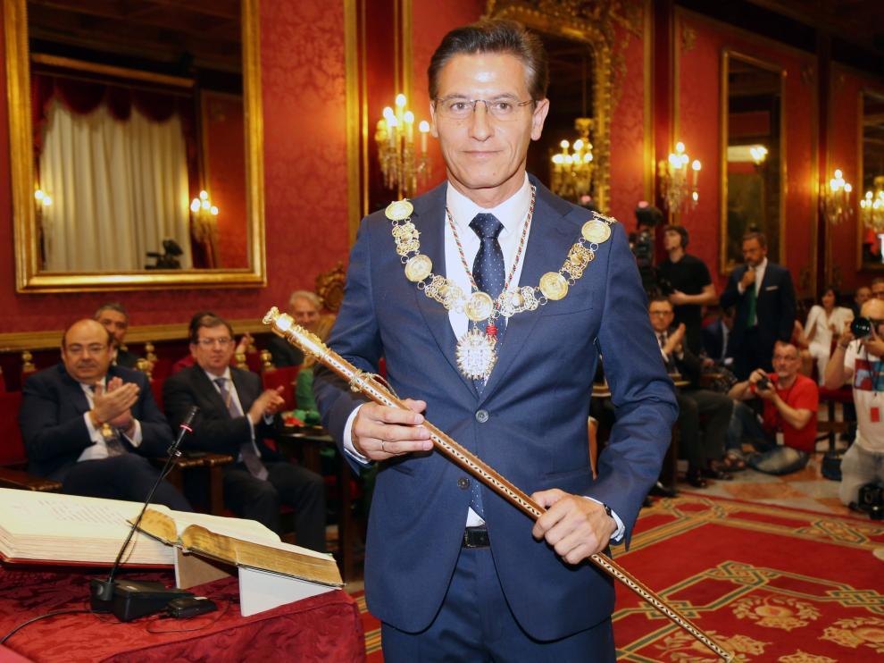 Vox amenaza con una moción de censura en Granada si no entra en el gobierno.