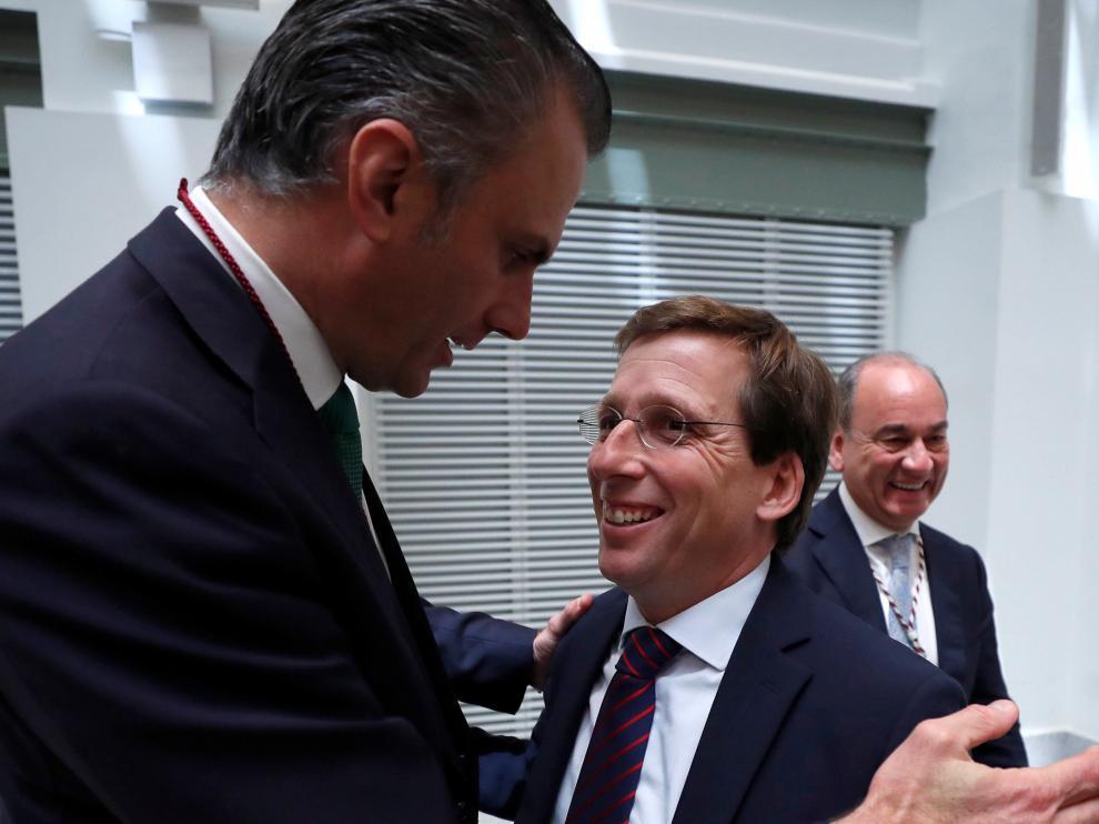Ortega-Smith y José Luis Martínez.Almedia.