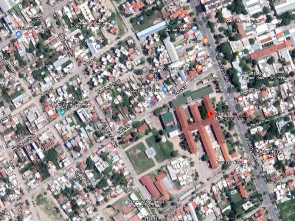 La joven falleció en el Hospital Regional Ramón Carrillo, a donde fue trasladada tras recibir el disparo.