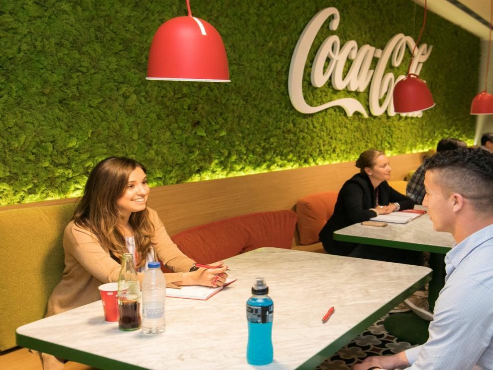 El compromiso que la compañía ha adquirido con la sociedad pone especial atención en los jóvenes y las mujeres.