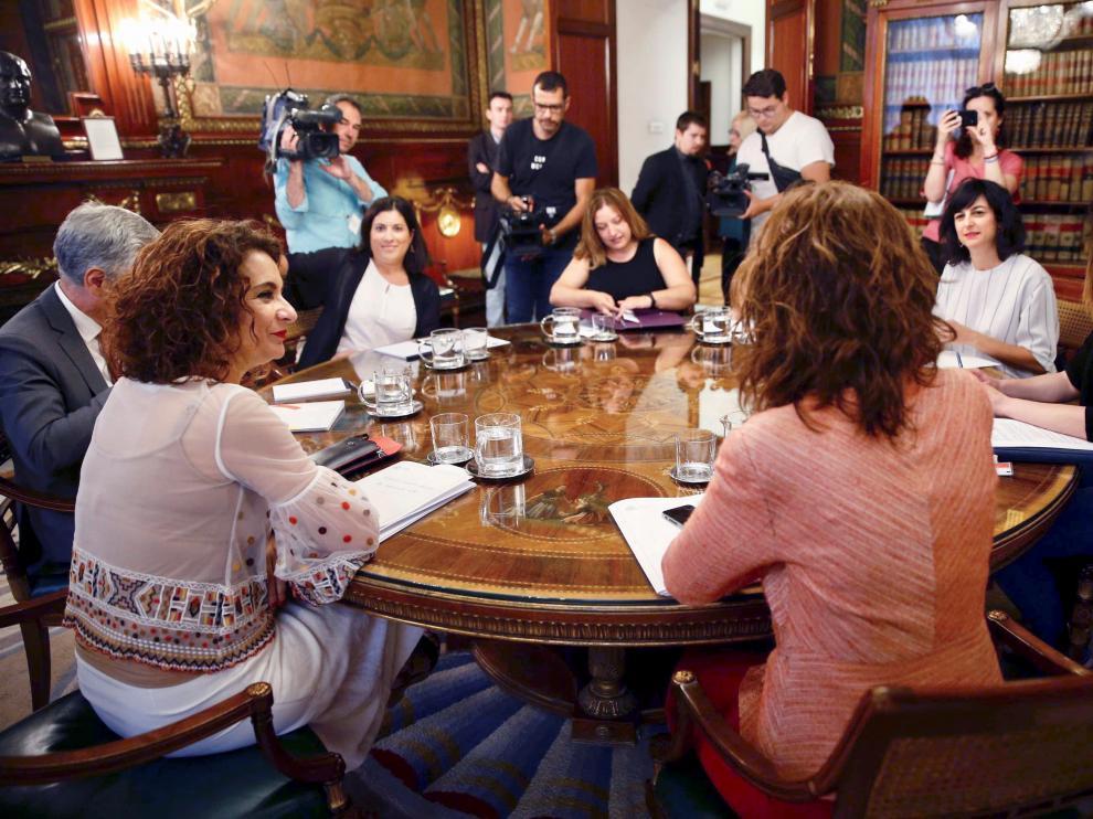 La ministra de Hacienda en funciones, María Jesús Montero, se ha reunido este miércoles con la Asociación de Afectadas y Afectados por el IRPF de Maternidad y Paternidad.
