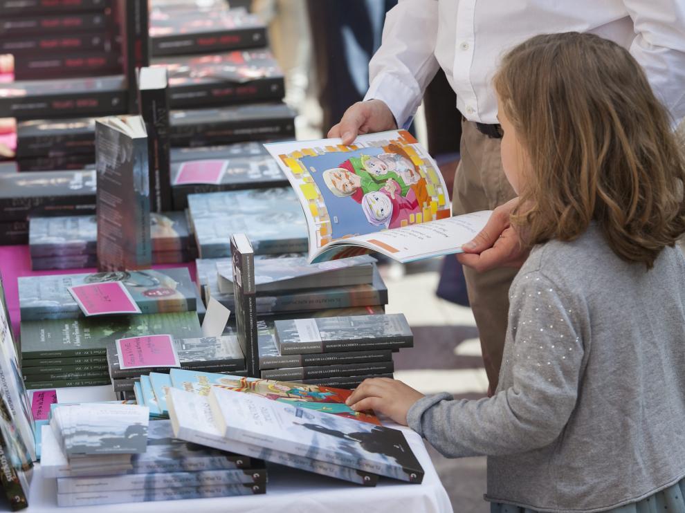 El verano es un buen momento para acercar a los niños a la lectura.