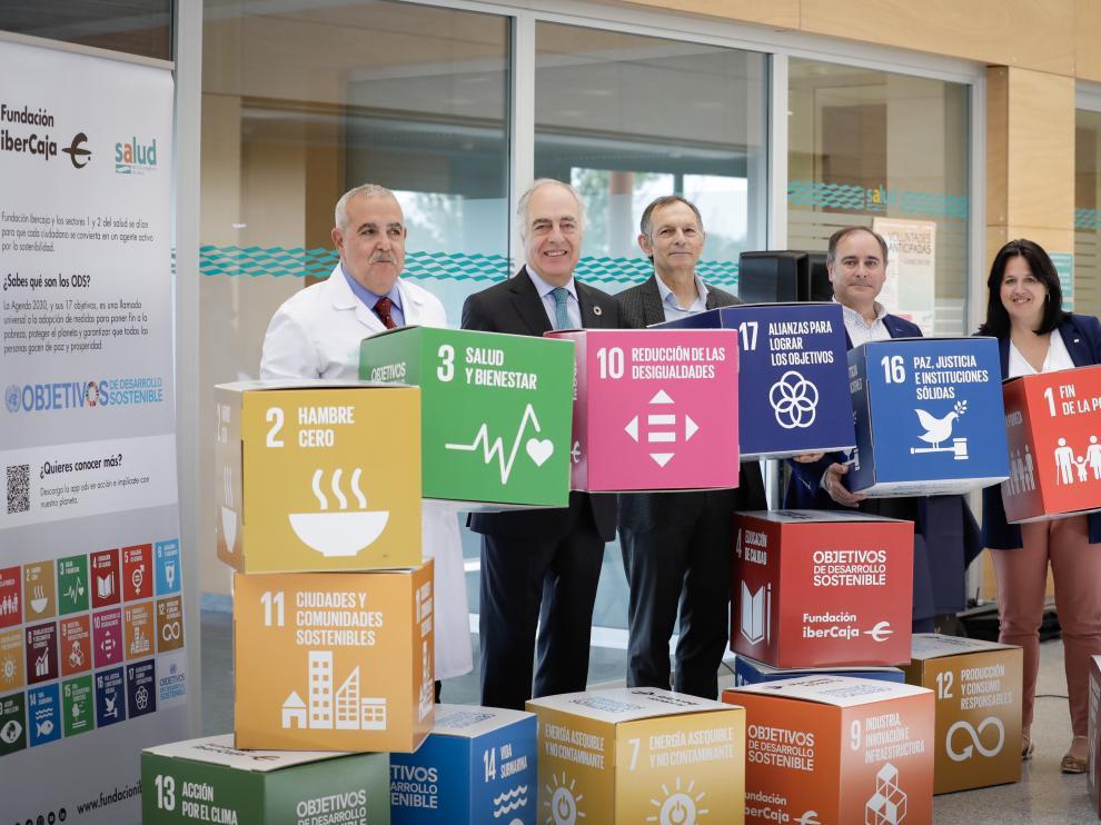 Inauguración de la exposición sobre objetivos de desarrollo sostenible de la ONU en el Hospital Miguel Servet.