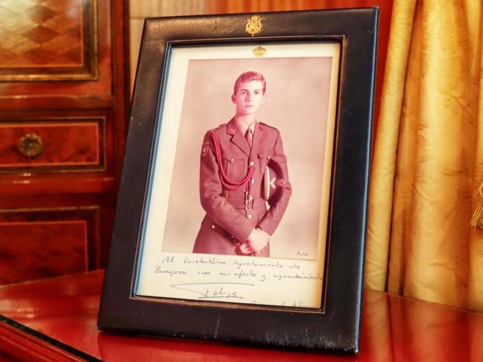 Imagen de Felipe VI cuando era príncipe, que Jorge Azcón ha colgado en su cuenta de Twitter.