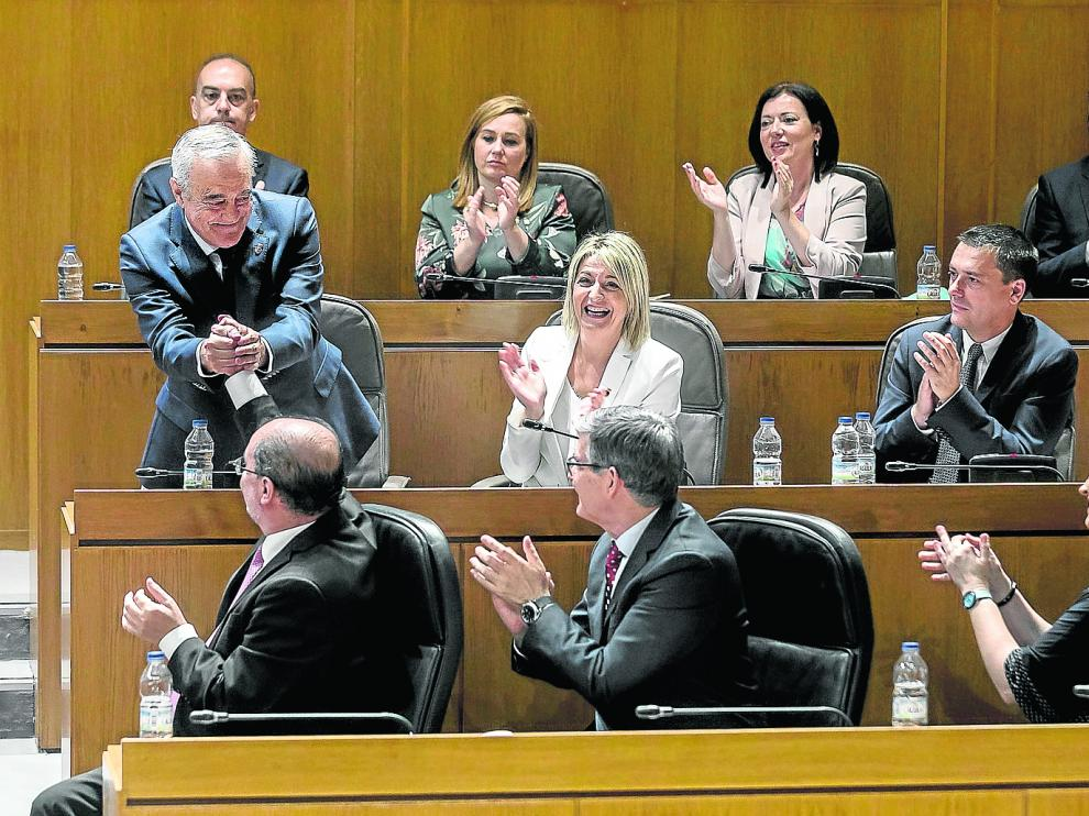 Suman sus votos para elegir por mayoría absoluta a Javier Sada como presidente de la Cámara