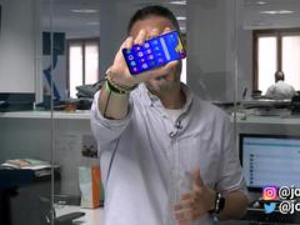 Samsung mete una gran pantalla en un teléfono pequeño y manejable con potencia de sobra y una gran cámara. Lo que menos nos ha gustado: la batería.