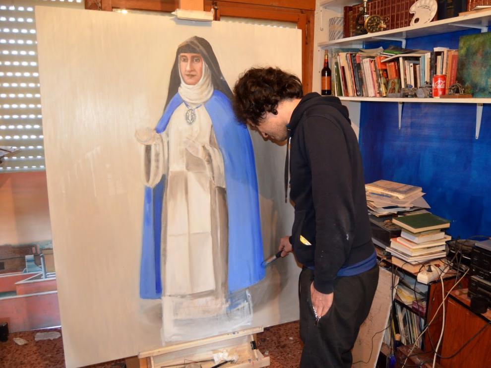 El artista Jorge Andía pinta el retrato de la beata borjana que se presentará el sábado 29 de junio.