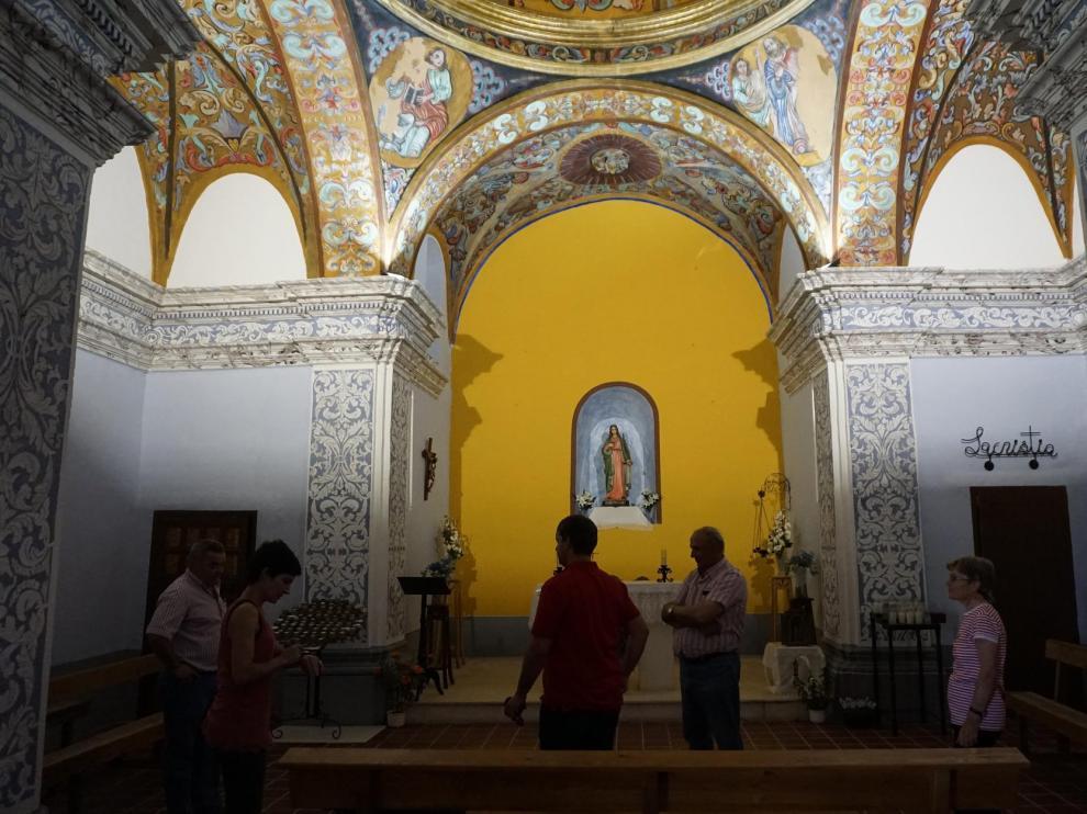 Policromía en el interior de la ermita de Santa Lucía.