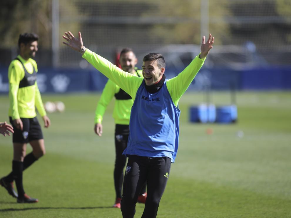 Álex Gallar, durante un entrenamiento de la pasada campaña con la SD Huesca.