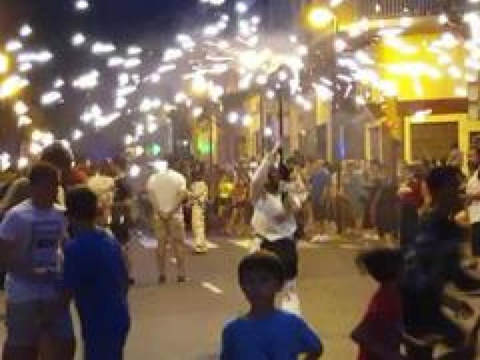 Los Diaples animaron la velada en las calles de la magdalena
