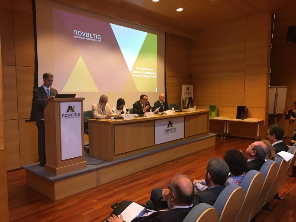 Imagen de la Asamblea General de Novaltia.