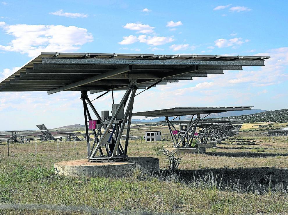 huerto solar, instalacion de placas solares en el termino de Celadas.Foto Antonio garcia/bykofoto. 17/06/19 [[[FOTOGRAFOS]]]