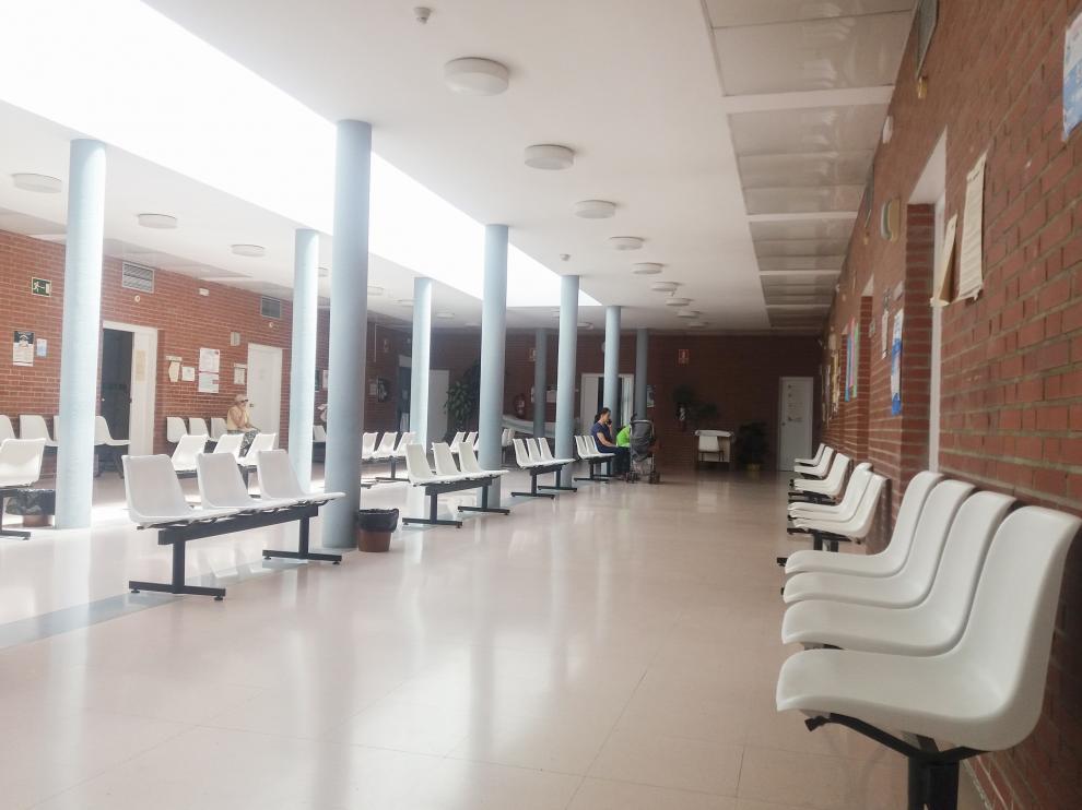 Interior del centro de salud de Bombarda de Zaragoza, ayer.