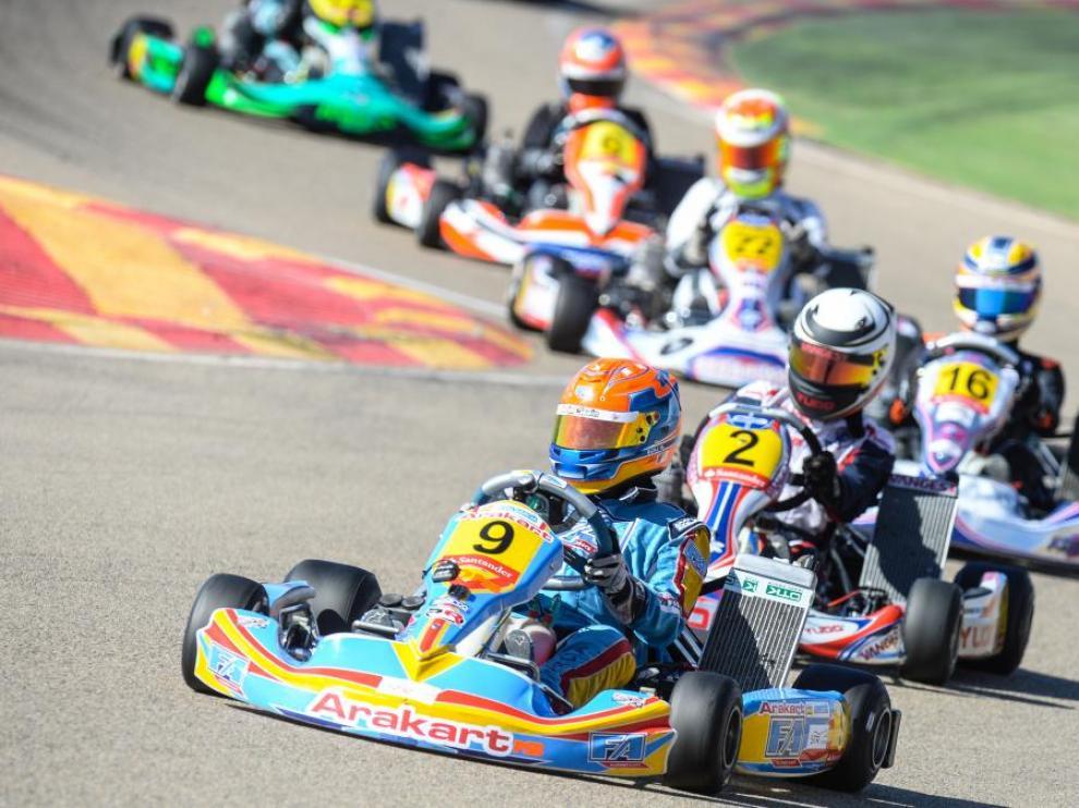 Imagen de archivo de una competición de karting en Motorland.