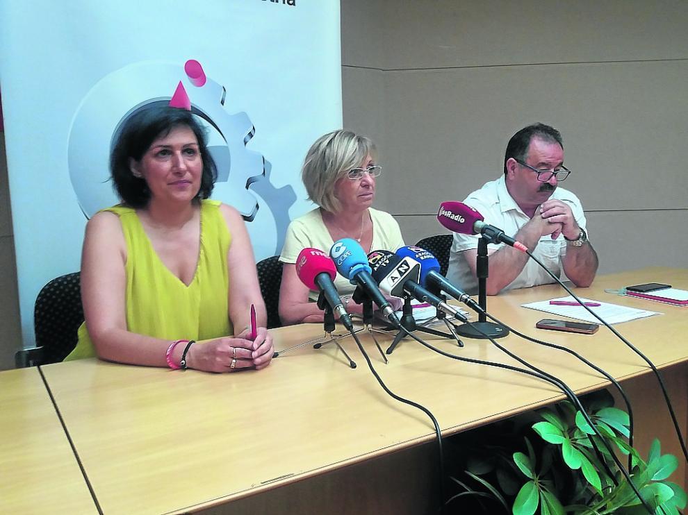 Los dirigentes de CC. OO. Pilar Buj, Ana Sánchez y José Fuentes, en la jornada sobre despoblación.