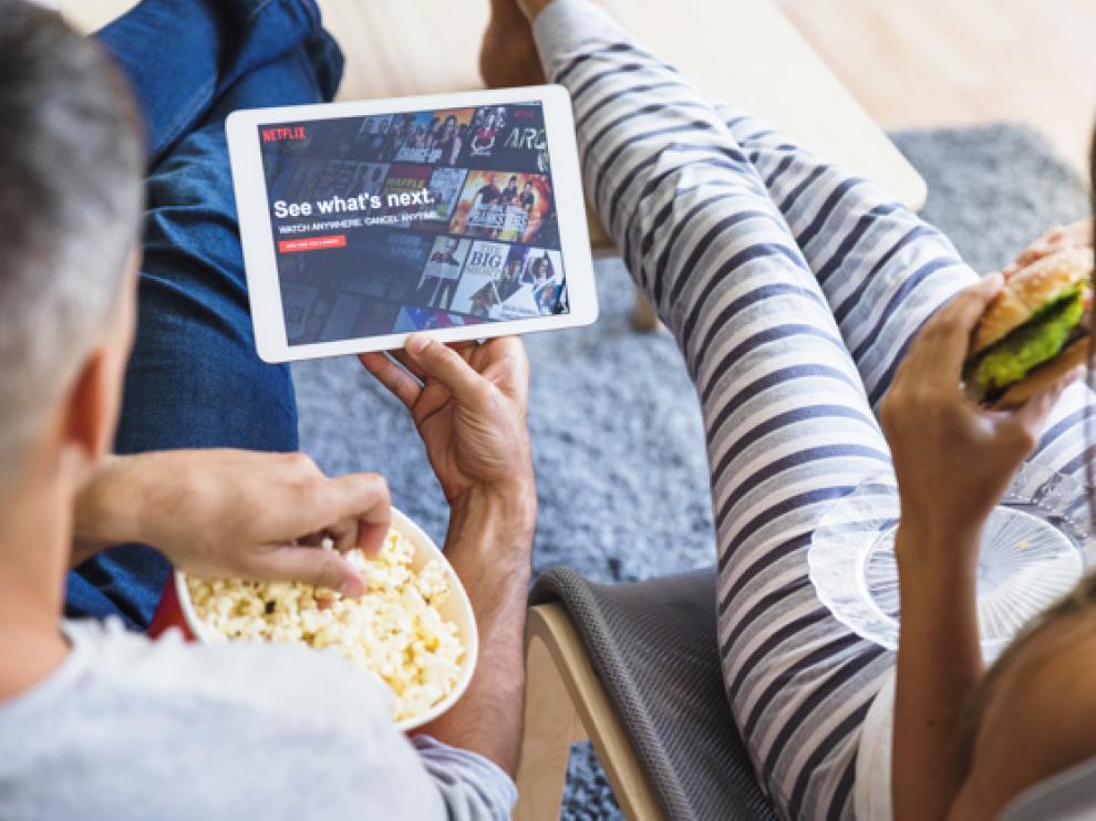 Aire acondicionado (o ventilador) al máximo y un buen festín son los compañeros ideales de una sesión de cine de verano.