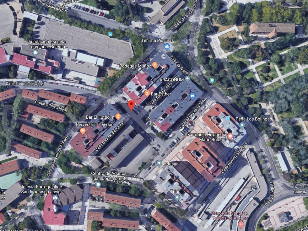 El incendio ha tenido lugar en la calle de Cañizar del Olivar en Zaragoza.