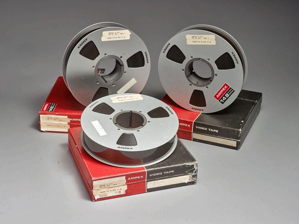 Las tres bobinas que contienen las imágenes de la llegada a la Luna del Apollo 11.