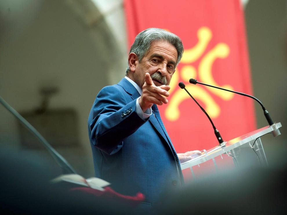 Miguel Ángel Revilla, este sábado en el acto de toma de posesión como presidente de Cantabria.