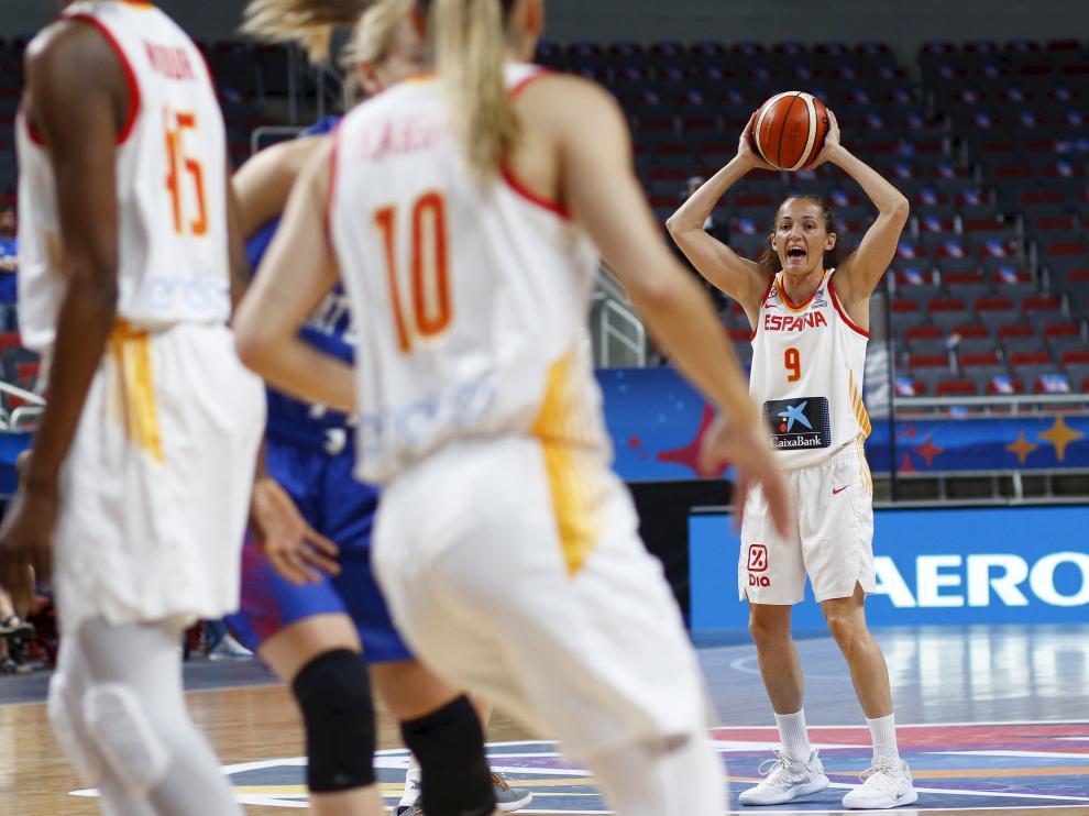 Las jugadoras de la selección española femenina de baloncesto en el encuentro ante Gran Bretaña