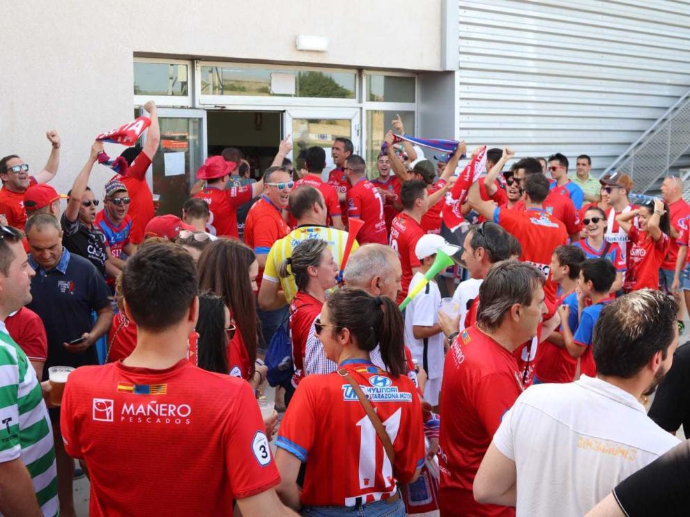 Ambientazo en la previa del SD Tarazona-Alavés B.