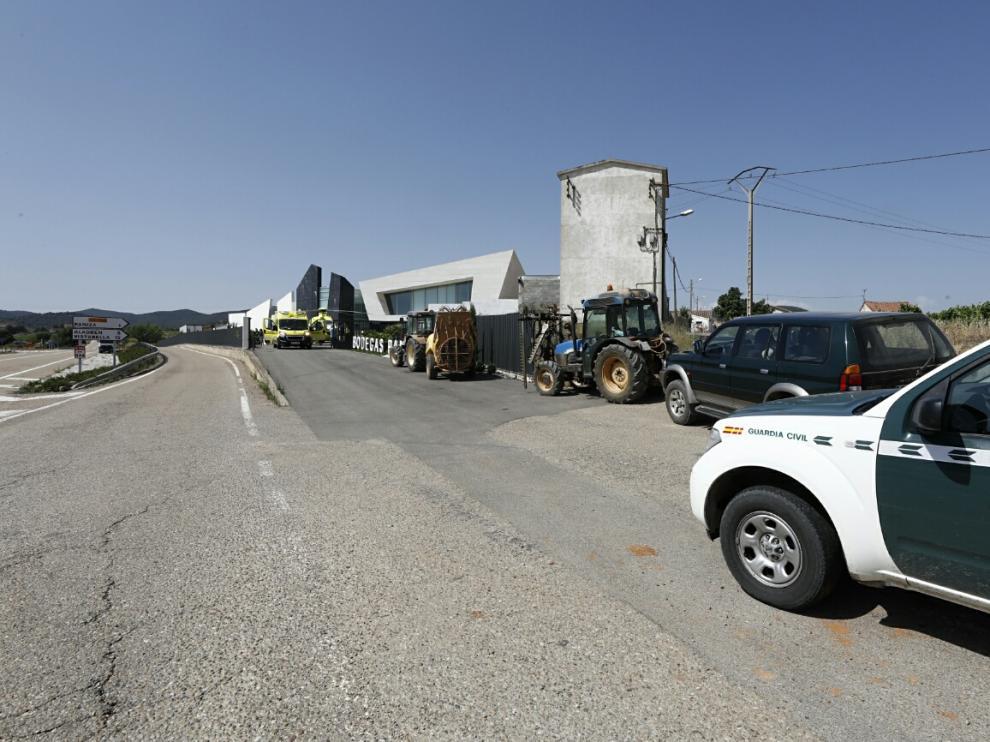 Dos personas han muerto y una tercera se encuentra en estado muy grave a consecuencia de un accidente laboral en Bodegas Paniza.