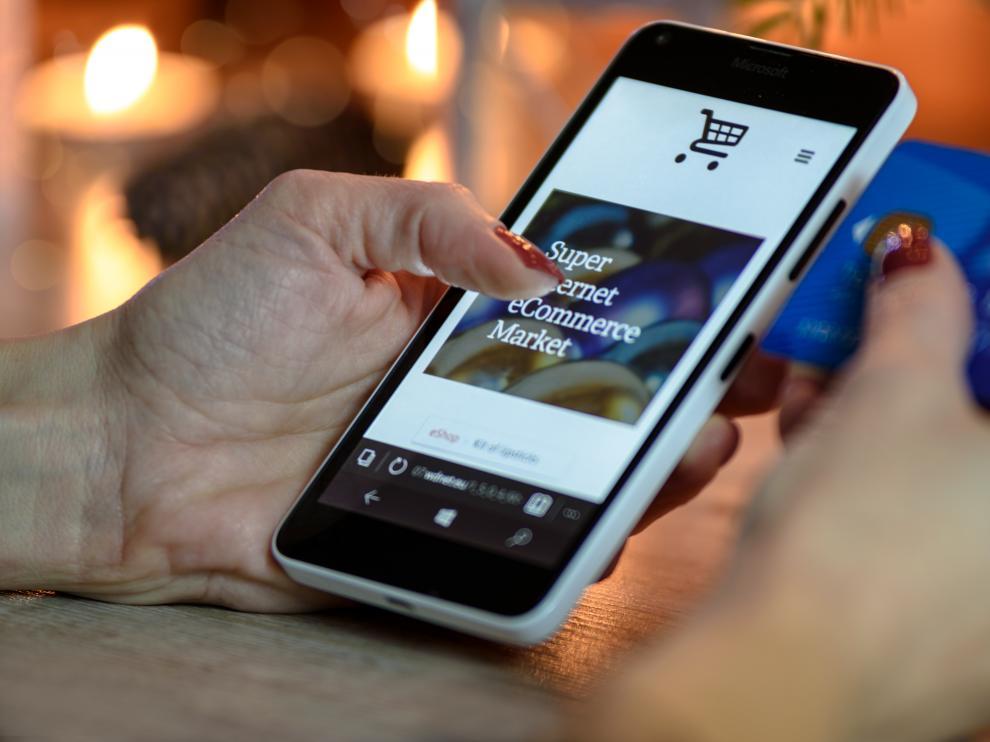 El 'roaming' permite utilizar la tarifa de móvil del país del cliente en otros Estados de la UE.