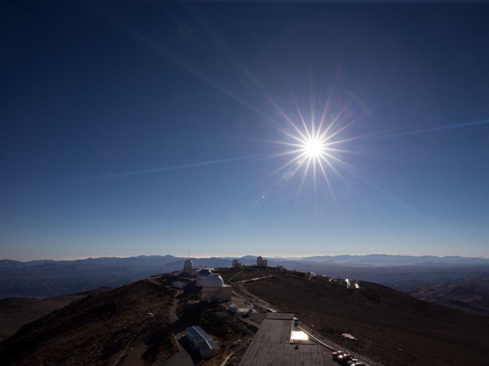 AME2822. MERLO (ARGENTINA), 02/07/2019.-El sol cubierto por la luna durante el eclipse solar total, este martes en la ciudad de Merlo, San Luis (Argentina). EFE/Nicolas Aguilera Eclipse solar total 2019