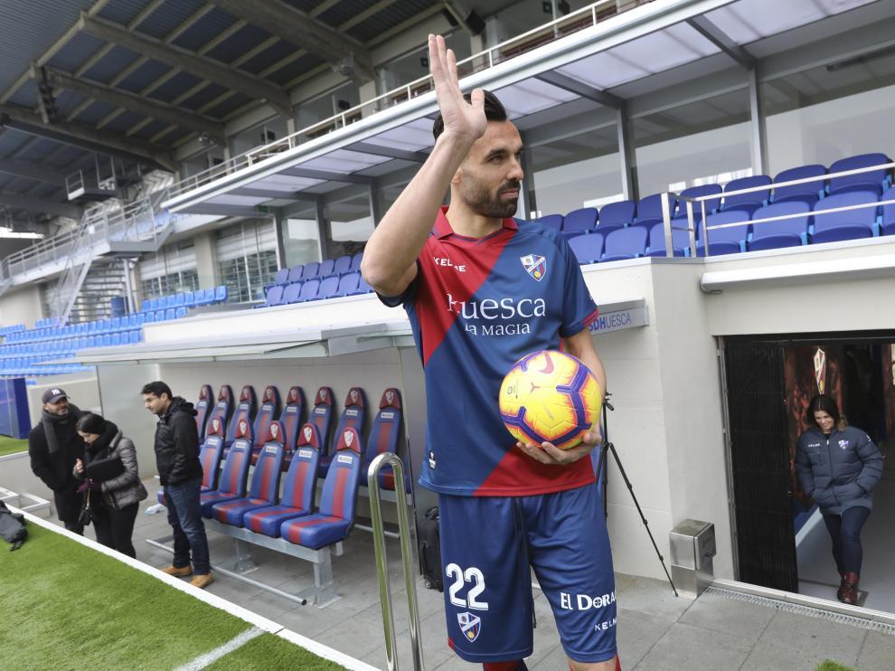 Enric Gallego, el día de la presentación como futbolista de la SD Huesca.