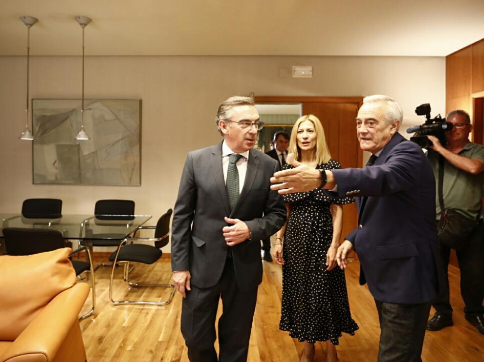 Luis María Beamonte, candidato del PP, con Javier Sada