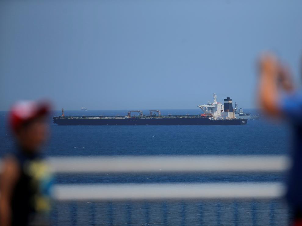 Una imagen del petrolero 'Grace 1' en aguas de Gibraltar.