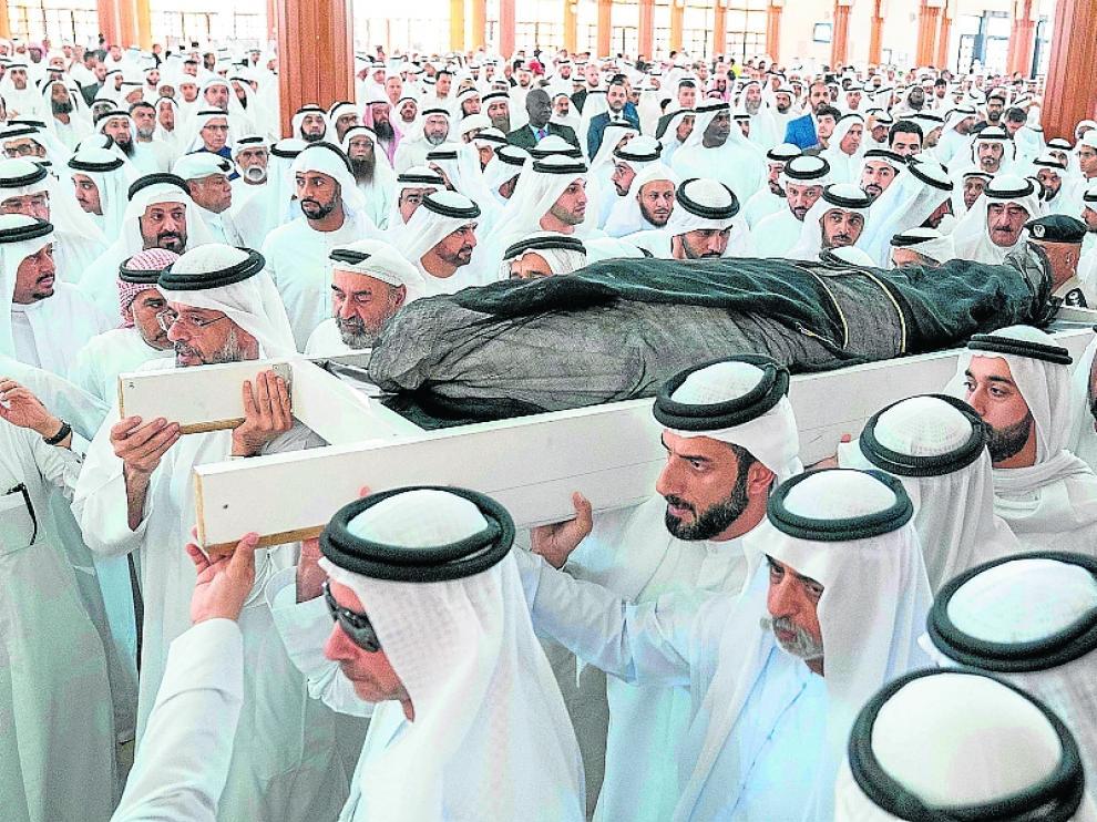 El diseñador Khalid Qasimi fue enterrado con honores de Estado en Sharjah