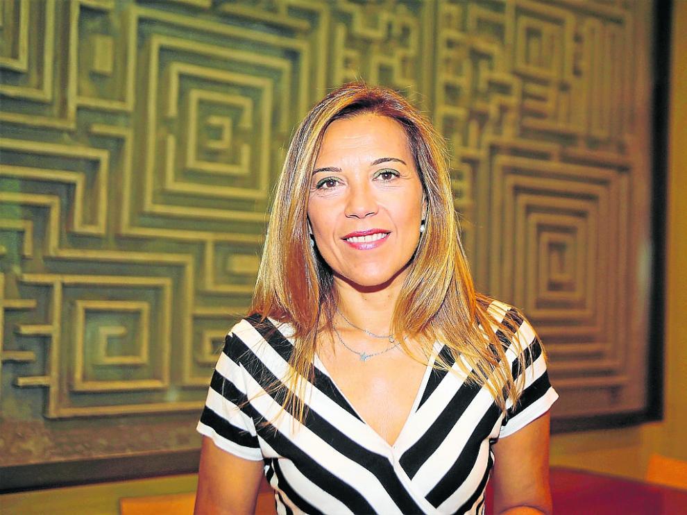 Ana Alós asegura que compatibilizará su cargo en el Senado con el grupo municipal