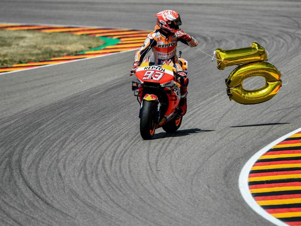 Marc Márquez celebra su décimo triunfo en el GP de Alemania.